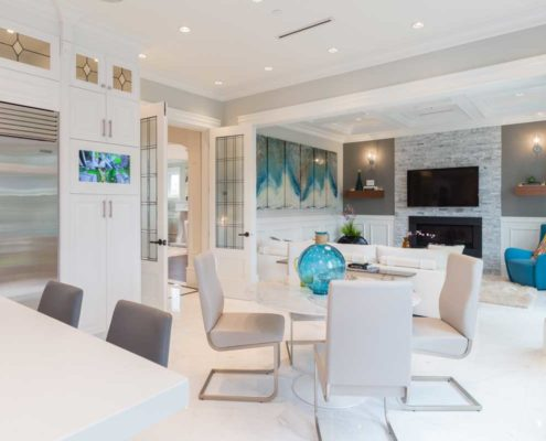 Open concept kitchen, dining and living area.